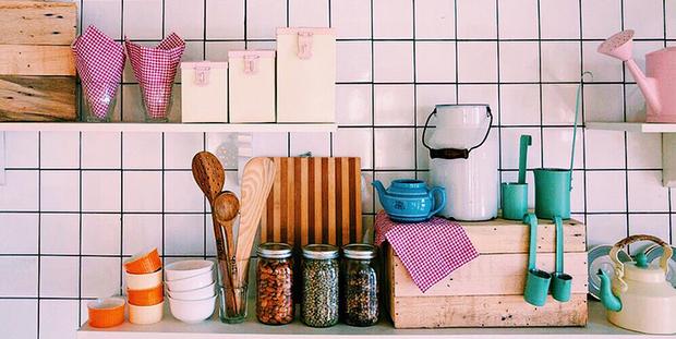 4 tips για να οργανώσεις την κουζίνα σου χωρίς να χρειαστεί να δεις την εκπομπή της Marie Kondo