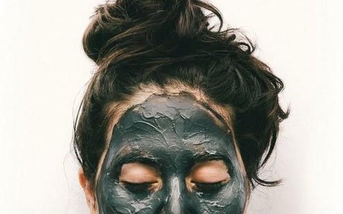 Τα 7 λάθη που κάνεις με τις μάσκες προσώπου