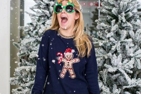 480x640-c19cd48219-assets-elleuk-com-gallery-24032-7-charlotte-wears-next-christmas-jumper-december-2014-jpg