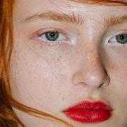 5 τρόποι να εντάξεις τη λευκή σκιά ματιών στο makeup σου
