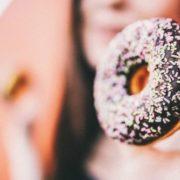 5 τρόποι που η ζάχαρη κρύβεται στα τρόφιμα που επιλέγεις