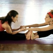 5 apps για yoga και διαλογισμό στο σπίτι