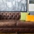 5 συνηθισμένα λάθη που καταστρέφουν τον καναπέ σου