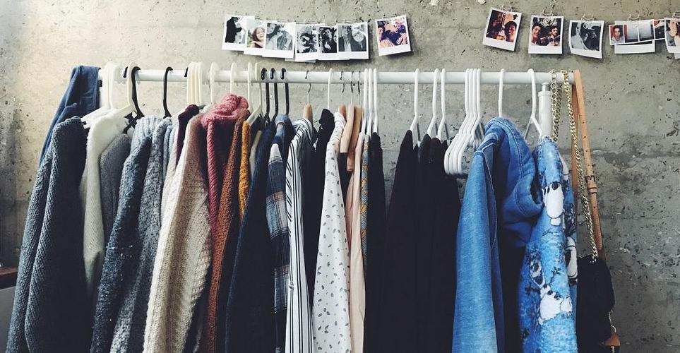 5 shopping tips που θα σε φέρουν πιο κοντά στη βιώσιμη μόδα
