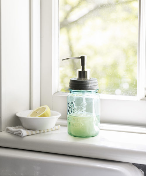 54eaea7f629aa_-_sept-crafts-mason-jar-soap-0910-s3