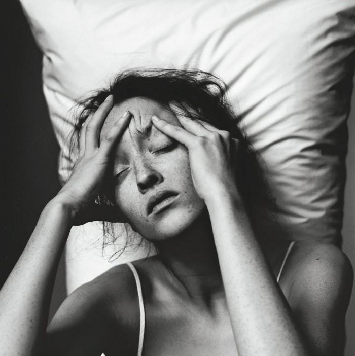 6 σημάδια που αποδεικνύουν ότι τα social media σου προκαλούν άγχος