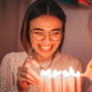 6 τρόποι να γιορτάσεις τα γενέθλια ενός φίλου σου εν μέσω καραντίνας