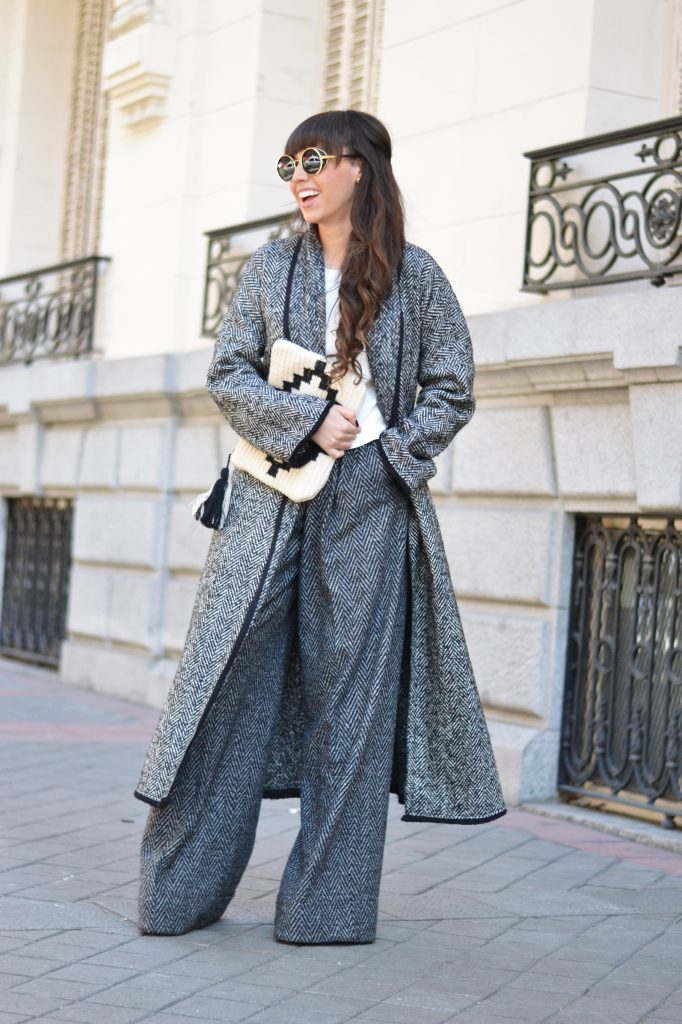 6-cozy-winter-outfit-in-wide-leg-pants-13-682x1024