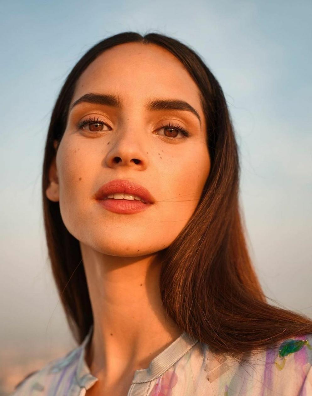7 πράγματα που δεν γνώριζες για την Adria Arjona