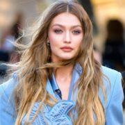 7 DIY τρόποι να ανοίξεις το χρώμα των μαλλιών σου