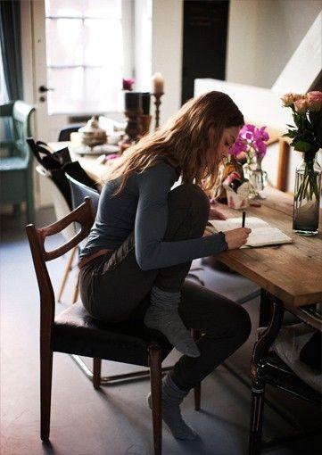 3 συνήθειες που θα σε βοηθήσουν να χαλαρώσεις μετά τη δουλειά