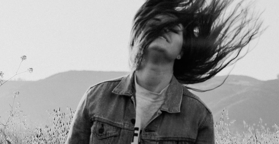 8 πράγματα για τα οποία ένα cool κορίτσι δεν δίνει δεκάρα