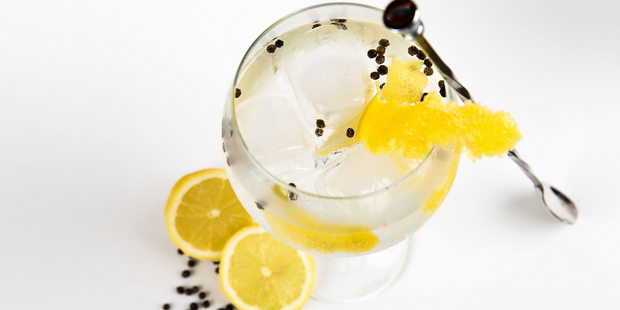 8 cocktails με gin για να αφήσεις για λίγο άκρη το gin & tonic