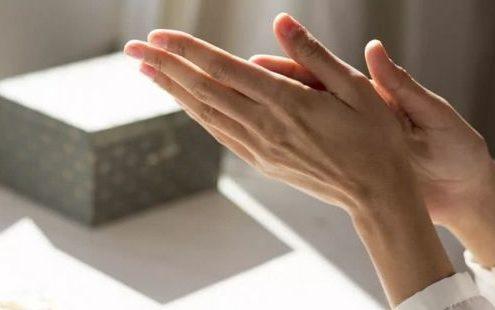 8 hacks της τελευταίας στιγμής για τα οποία χρειάζεσαι μόνο μία κρέμα χεριών