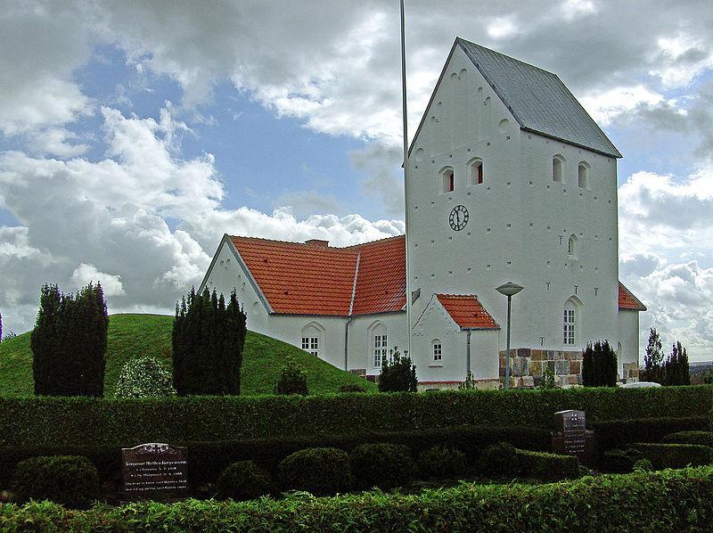 800px-Timring_kirke_(Herning)
