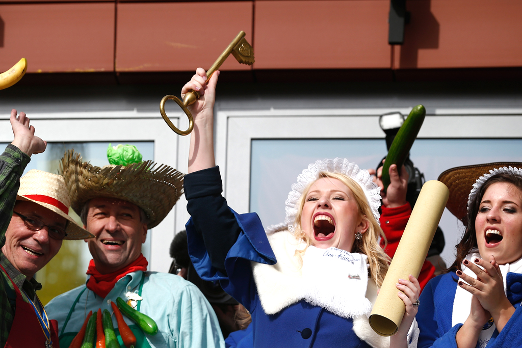 Carnival Season: Bonn Celebrates Fat Thursday