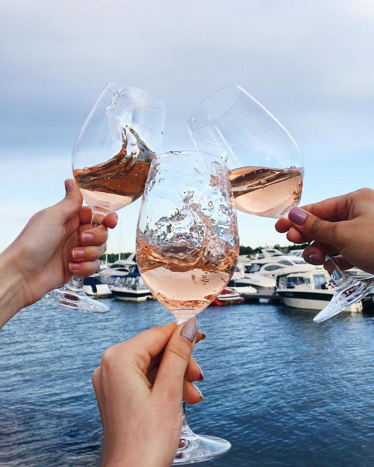 «Η μαγεία του κρασιού της Σαντορίνης»