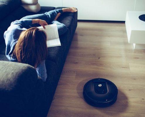 9 πράγματα που μπορείς να κάνεις για να μειώσεις τη σκόνη στο σπίτι σου