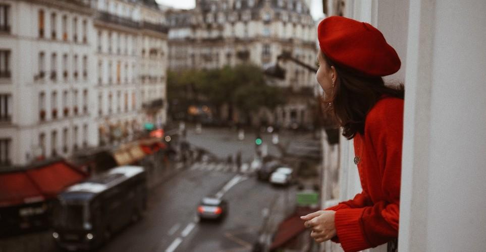 9 σημάδια ότι είσαι αισιόδοξη στον έρωτα και όχι απελπισμένα ρομαντική