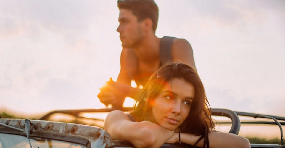 9 τοξικές συμπεριφορές που σαμποτάρουν την ερωτική σου ζωή
