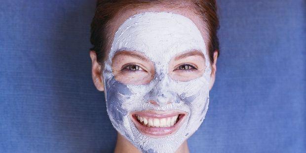 Όλα τα βήματα που πρέπει να ακολουθήσεις για ένα DIY facial