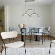Πως ένα διαμέρισμα στη Βαρκελώνη μεταμορφώθηκε μέσα από tropical πινελιές