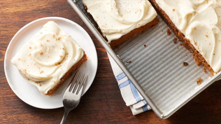 Aυτή η συνταγή carrot cake θα σου θυμίσει πως τίποτα πραγματικά πετυχημένο -και νόστιμο, δεν έγινε εύκολα