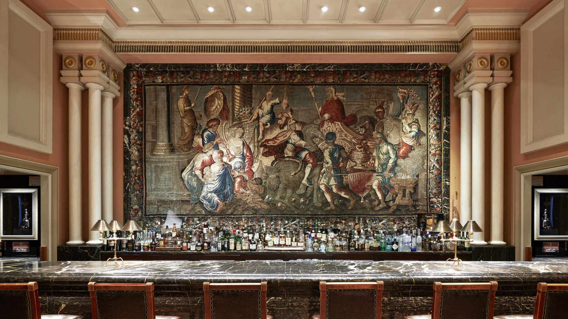 alexanders-bar-hotel-grande-bretagne-athens-signature-drinks-and-cocktails-bar-menu-sophisticated