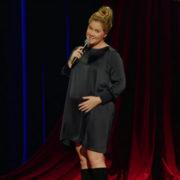 H Amy Schumer επιστρέφει στο Netflix πιο κωμική από ποτέ