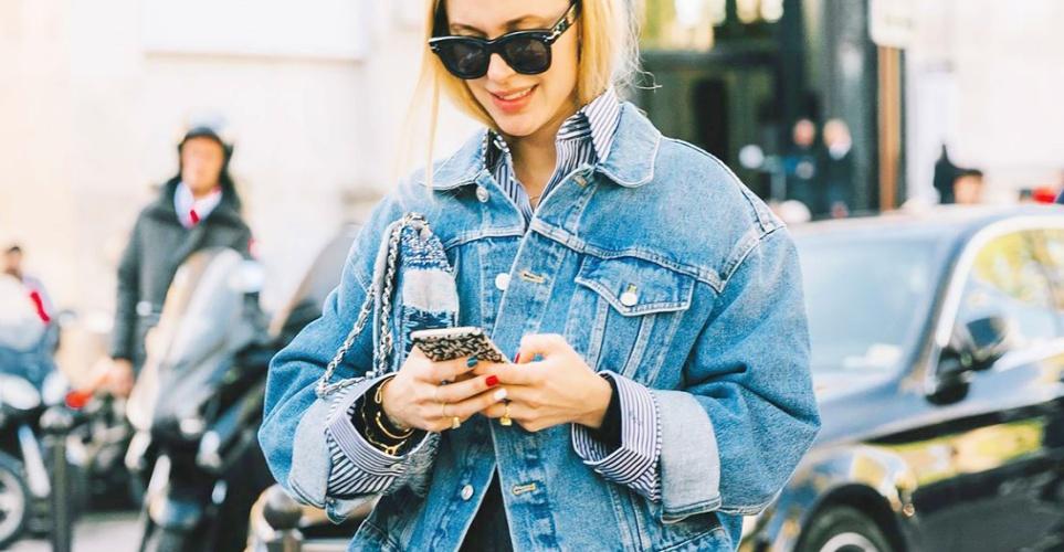 Πώς να φορέσεις το oversize denim jacket