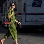 Boiler Suit: Το άνετο trend που έχουν υιοθετήσει όλα τα fashion girls