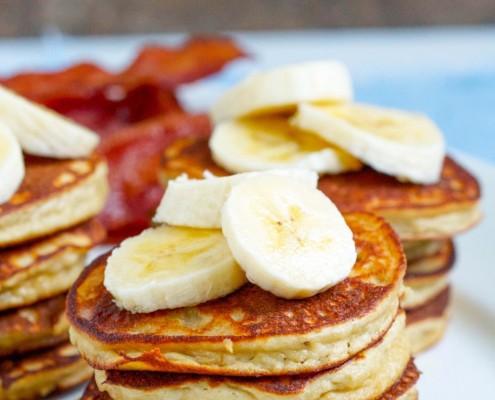 banana-pancakes-title