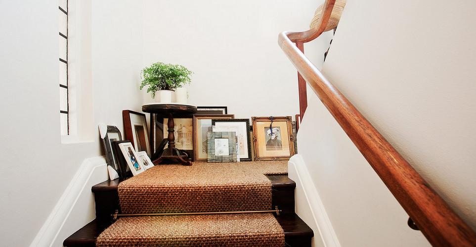 8 τρόποι να ανανεώσεις τη σκάλα του σπιτιού σου