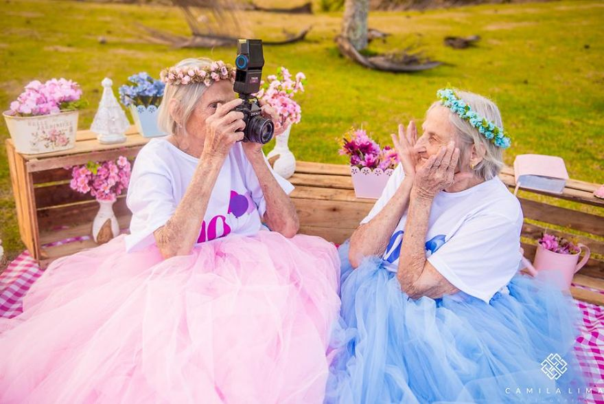 brazilian-twins-celebrate-100-year-anniversary-with-photo-essay-591ca955d7d27__880