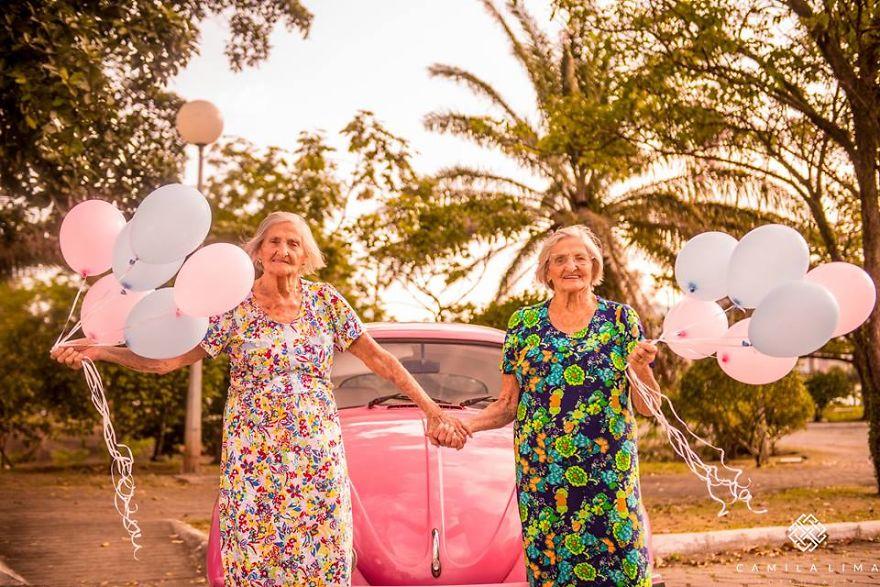 brazilian-twins-celebrate-100-year-anniversary-with-photo-essay-591ca9611db0a__880