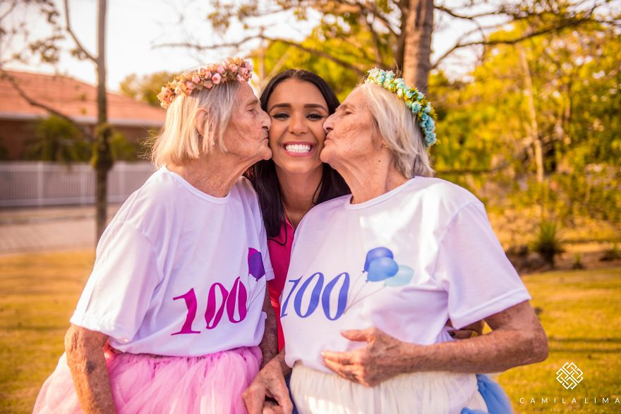 brazilian-twins-celebrate-100-year-anniversary-with-photo-essay-591caad80d718__880