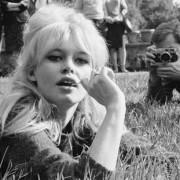 Αυτή είναι η σύγχρονη Brigitte Bardot