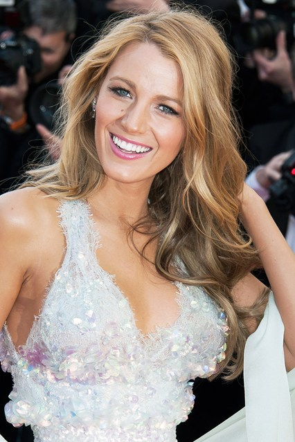 Cannes-Blake-Lively-savoir ville