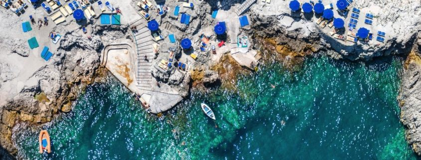 Ο οδηγός που θα σε πείσει να κάνεις το Capri τον φετινό καλοκαιρινό σου προορισμό