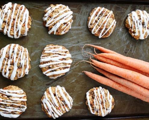 carrot-cake-oatmeal-cookies-with-cream-cheese-glaze-8