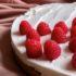 Η συνταγή για cheesecake με σπιτική μαρμελάδα raspberry