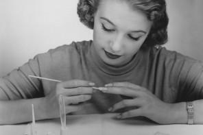 Πως θα καθαρισεις το βερνικι νυχιων απο 4 σημεια