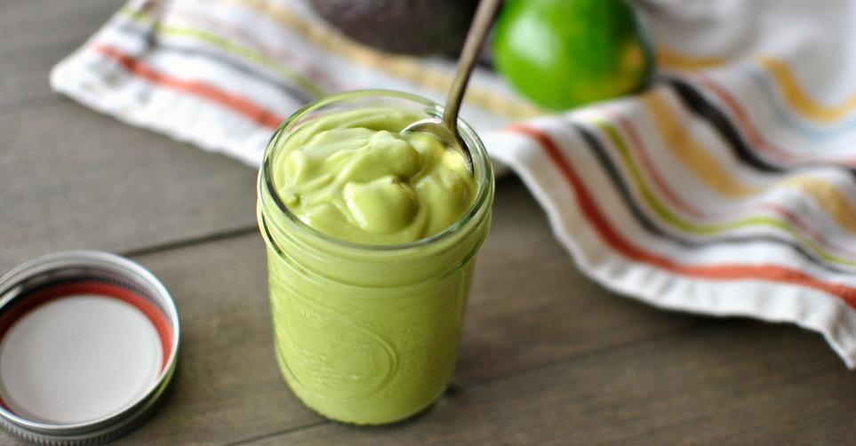 Το avocado dressing που θα απογειώσει την πράσινη σαλάτα σουΤο avocado dressing που θα απογειώσει την πράσινη σαλάτα σου