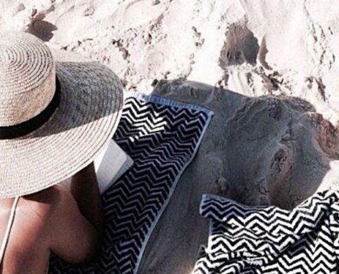 10 βιβλία για το καλοκαίρι που θα σε κάνουν να ξαναερωτευθείς το διάβασμα