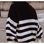To brand με πουλόβερ που βλέπουμε παντού στο Instagram
