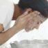 Xρειάζεται πράγματι να πλένεις το πρόσωπό σου κάθε πρωί;