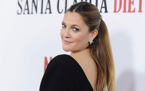 H Drew Barrymore απαντά στους haters για το βάρος της