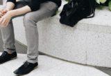 6 πράγματα που ένας άντρας πρέπει να πετάξει από τη ντουλάπα του, σύμφωνα με το Men's Journal
