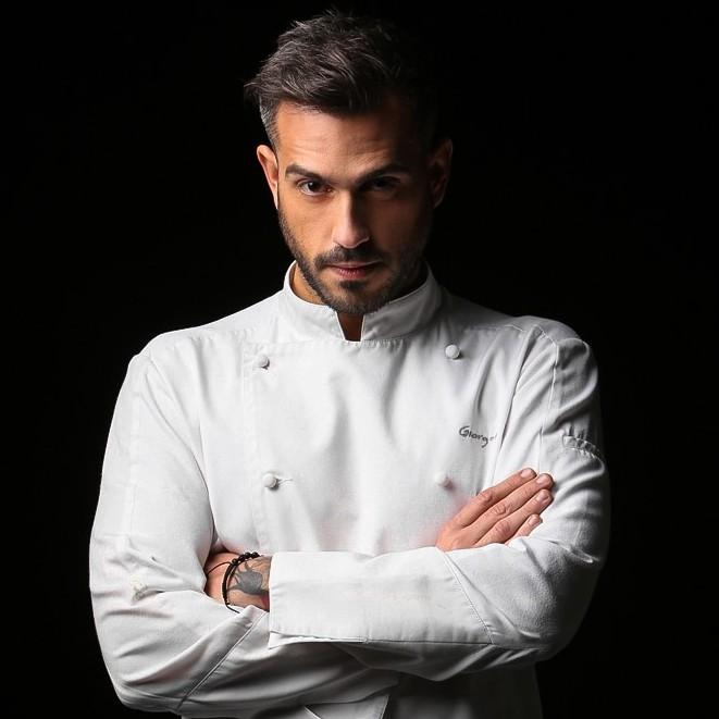 """Ο Γιώργος Τσούλης σου μαθαίνει να """"Μην Μασάς"""" στην κουζίνα"""