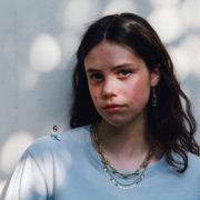 H Matilda Mann για κάποιους είναι η βρετανίδα Billie Eilish